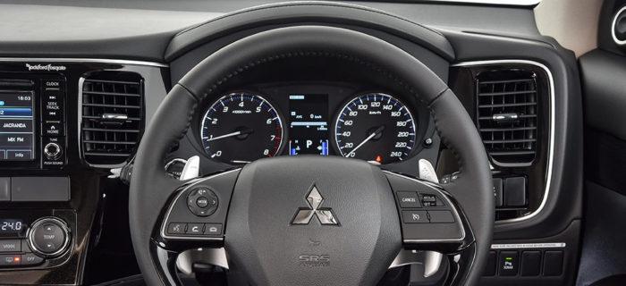 Mitsubishi-Outlander_127-700x320