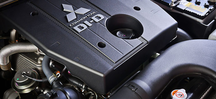 pajero_swb_engine-700x320