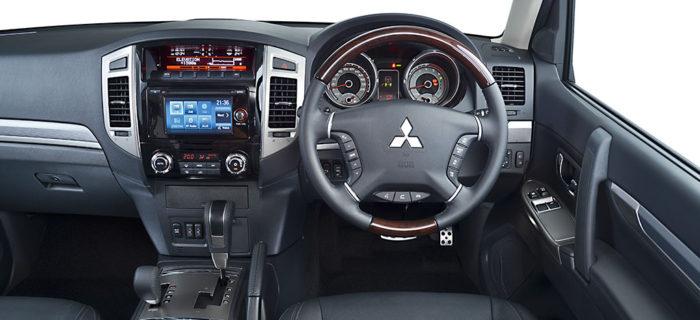 pajero_swb_interior1-700x320